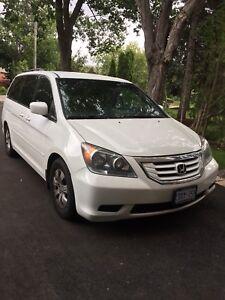 2009 white Honda Odyssey