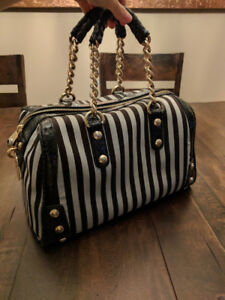 Authentic Henri Bendel Purse