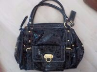Ladies Black Handbag in Good Condition - Collect PE27 or can Post for extra £3.20
