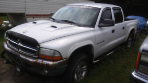 Dodge dakota 2002 4.7L 4x4 boite 5.5pieds