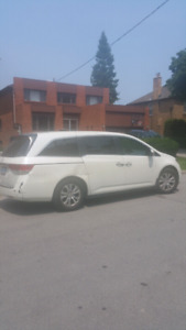 2014 Honda Odyssey with low km