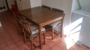 Vintage wood table (made in Quebec '69)