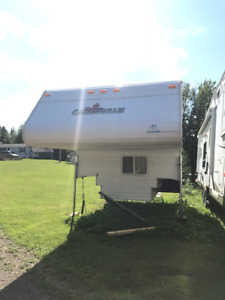 2001 Canadian dream 16ft Truck camper
