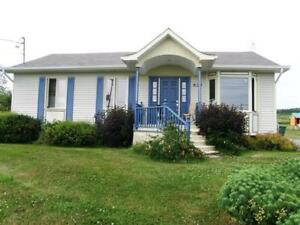 Maison à vendre / House for sale Gaspésie - Peré