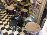 Drum kit hardly used full size 07572918745