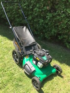 Gas Lawnmower Briggs & Stratton engine <Like New