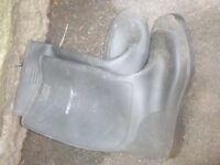 Black dunlop wellies size 12 (47)