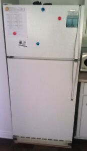 Moffat Refrigerator for Sale - MOVING