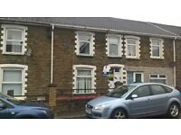 3 bedroom terraced house, situated on a direct bus route and is close to local shops and cafes.