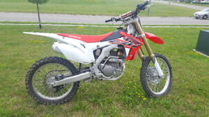 HONDA 2016 CRF250R - LOW HOURS (REDUCED)