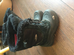 Winter boots size 2