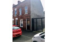 Superb 4 Bedroom HMO Property just off the Ormeau Road - Available 01/09/2017