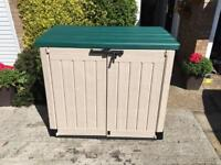 Outdoor storage shed box