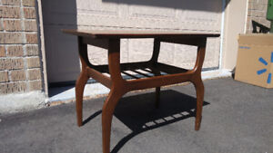 MID CENTURY RETRO SMALL WALNUT COFFEE / SIDE TABLES