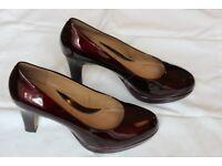 Lady's High Heel Dress Shoe (Clarks Anika Kendra) Size 6 (wide)