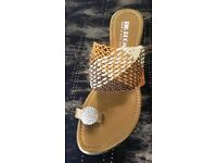 SMALL WEDGE SANDAL