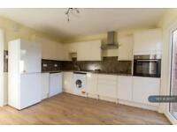 3 bedroom house in North Road, London, SW19 (3 bed)