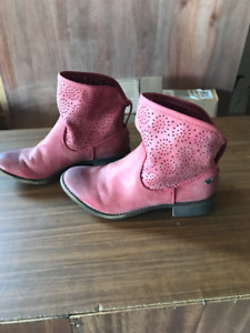 Roxy boots   Size 6