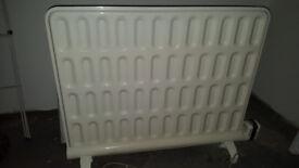 vintage retro oil fired radiator. Electrolux. good working order 240V ~2kw