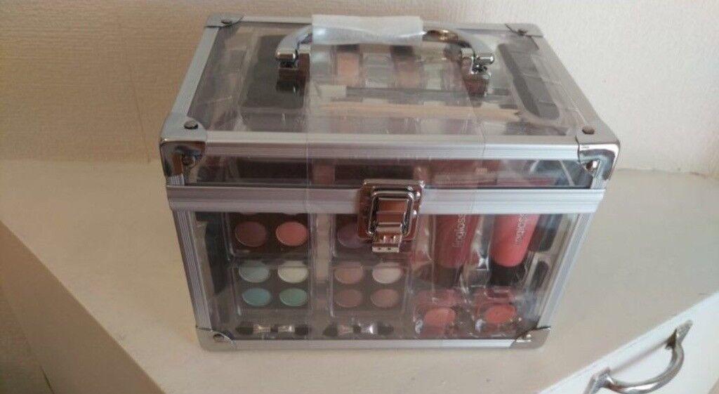 Make Up Gift Box