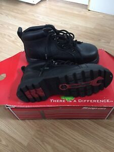 Never Worn!!! Mens snap on work boots