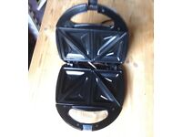 Sandwich toaster in very good clean condition