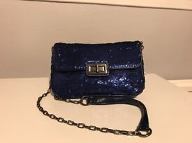 Dark blue sequins cross body bag with chain