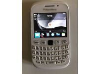 BlackBerry Curve 9320 - White Vodafone Smartphone