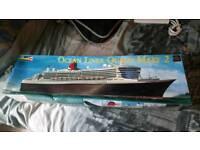 Revell queen mary 2 large plastic model kit