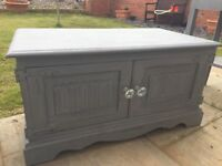 Old Charm TV cabinet upcycled in grey chalk paint