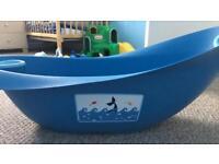Blue whale top & toe bath