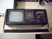 PORTABLE BUSH TV/RADIO.UHF/VHF