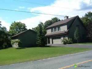 350 000$ - Maison 2 étages à vendre à Victoriaville