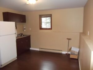 Beautiful and cozy 1 bedroom apartment in Moncton North-Private