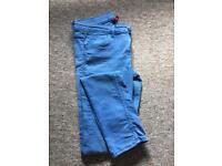 Women's H & M bright blue skinny jeans