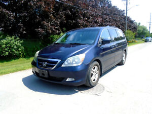 2006 Honda Odyssey EX-L, LEATHER & HEATED SEATS, MOONROOF w/DVD