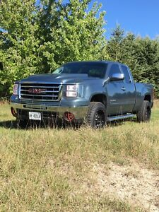 LOW KM 2010 GMC Sierra 1500 SLT