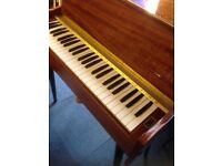 Leala Royale Piano Keyboard Organ