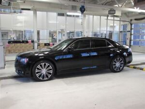 2013 Chrysler 300 S V8 5.7L. GPS TOIT PANORAMIQUE