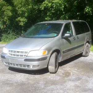 2004 Chevrolet Venture (needs work)