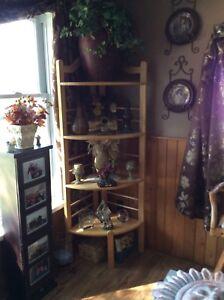 Beautiful solid wood corner shelf