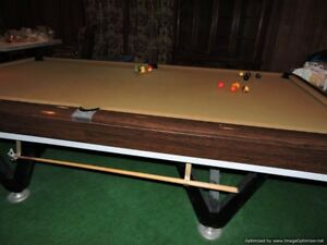 Pool Billard Snooker Table 5' x 10'  +   Accessoires