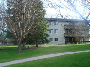 October 1 Kingsland 2 bedroom near LRT, RGH, Chinook, mkt