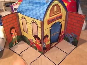 Diego and Dora foldable play house