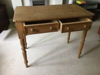 Small pine table with 2 drawers