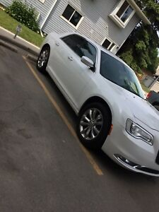 *LOW KM* 2016 Chrysler 300 LIMITED AWD