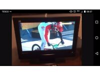 """Evesham 32"""" HD digital flat screen TV with sky box with remotes"""