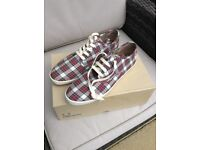 New Size 8 Fred Perry Plimsoles