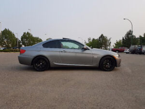 2011 BMW 335xi Coupe 6speed Manual 'M' Package Loaded