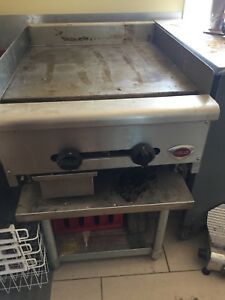 Commercial gas griddle with stainless stand